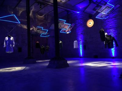 Installation-Saeulenhalle-scaled