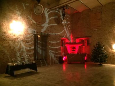 Säulenhalle-rot2